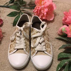 Michael Kors sneaker size 6.5 m, signature pattern